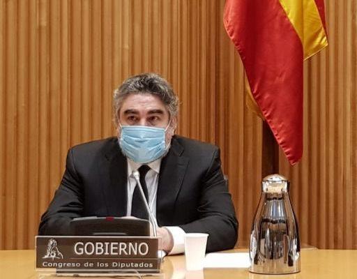 """Rodríguez Uribes: """"Yo no debo fomentar ir a los toros; al teatro sí, es pacífico"""""""